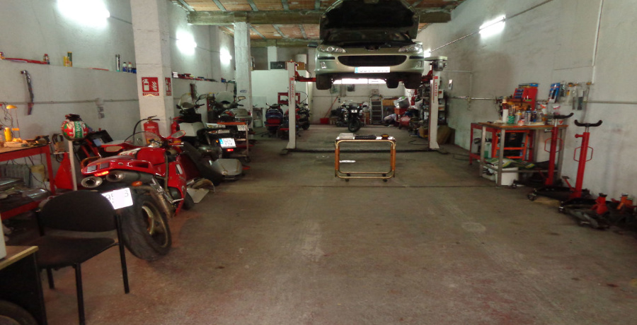 Motor repair, Fuengirola, Spain